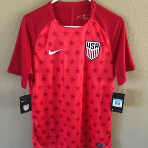USA soccer men's medium Nike Dri-Fit red jersey